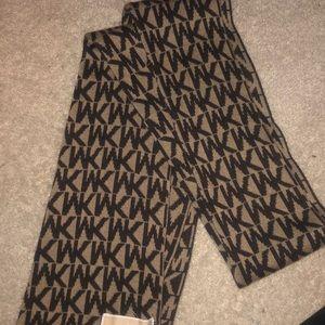 MK brown and tan scarf!